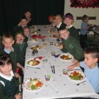Y2 enjoy a delicious Christmas dinner!