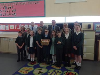 Mayor Visit for RotaKids Charter Presentation | Clover Hill Primary