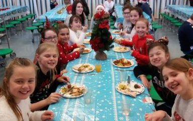 Year 5 enjoy a festive feast!